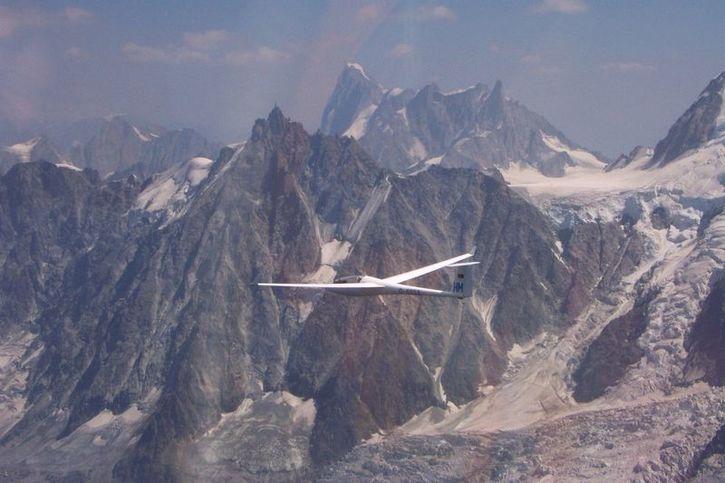 Glider-at-Mont-Blanc.jpg