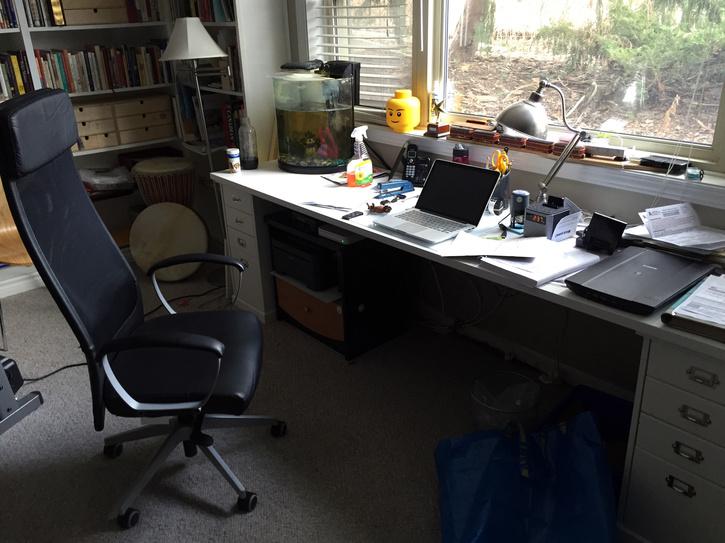 my-desk-2016-02.jpg