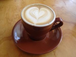 Wet_Cappuccino_with_heart_latte_art1-300x225.jpg